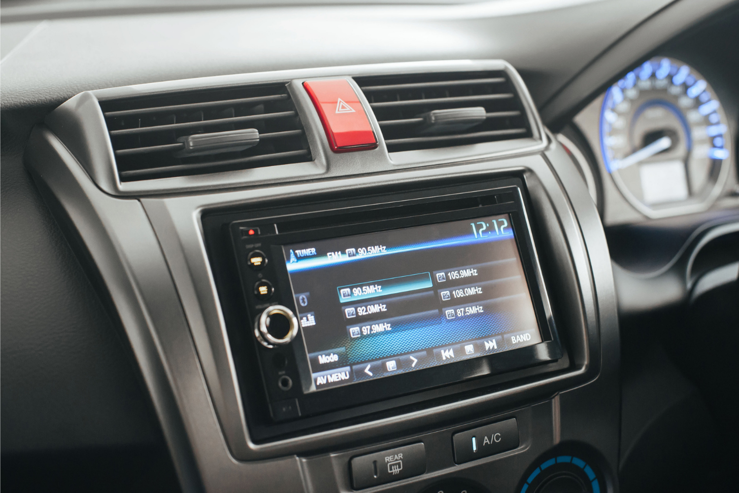 car infotainment head unit with android